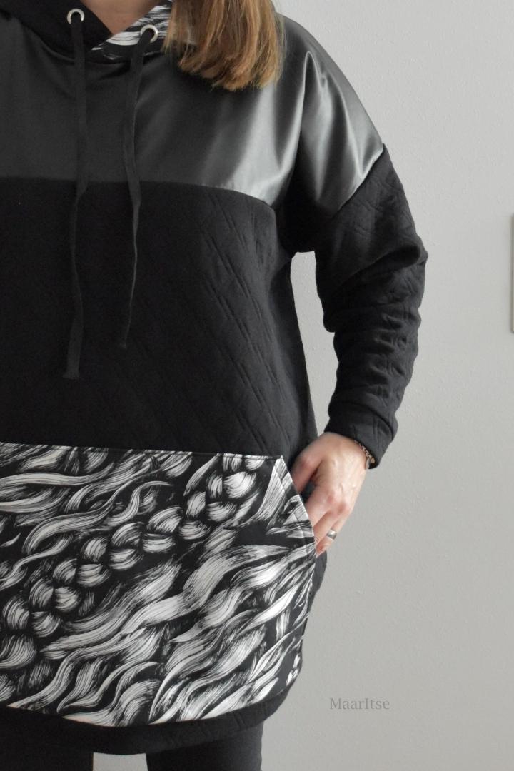MaarItse-blogi. Jämäompelua: huppari Eurokankaan tikkineuloksesta, johon yhdistetty jämäpaloja, Hellinin Poniletti-joustocollegea ja Ehtalta ostettua second skiniä. Kaava Suuri Käsityölehti, 11-12/2018.
